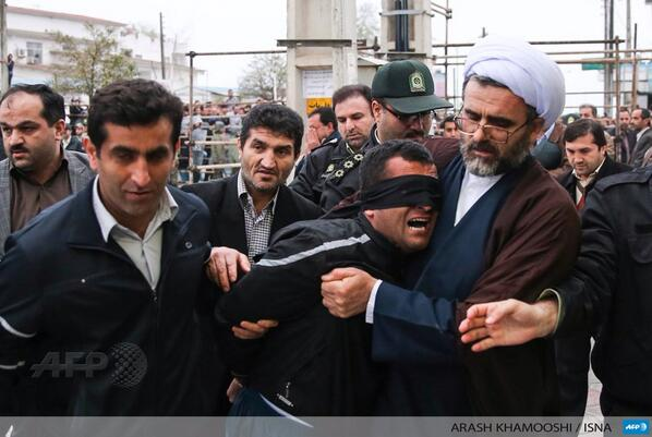 #Iran: Execution stopped last minute by victim's mother | http://t.co/cYi3zTRzJ1  #AFP http://t.co/LLiDfWX3B0