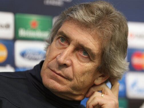 Can #MCFC still win the title? Retweet for No. Favourite for Yes.  Listen live here: http://t.co/7xBPhYInNL http://t.co/nWoTP4OPpk