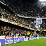 Stunning photo of Gareth Bale celebrating his solo effort in the Copa del Rey final last night. http://t.co/31VwkGGXPN