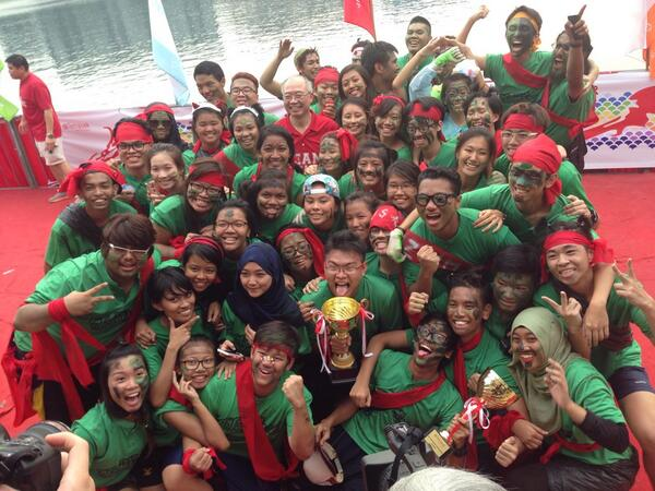 Best Cheer also goes to School of Applied Science!!!!! #TPRegatta #tp #temasekpoly http://t.co/oPQvO8EPfD