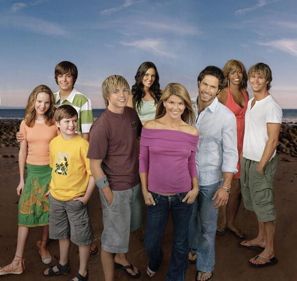 10 years ago... RT @JesseMcCartney: Loved working with these great people! #TBT #Summerland @LoriLoughlin @TaylorCole http://t.co/t6sMLdWqAx