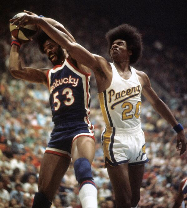 Not sure what's better - the afros of Artis Gilmore and Darnell Hillman or the Pacers old-school uniforms. Thoughts? http://t.co/2VSl1I6EHe