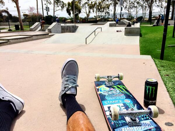 RT @Nyjah_Huston: Time to shred! @monsterenergy @dcshoes http://t.co/j06Jgjt52X