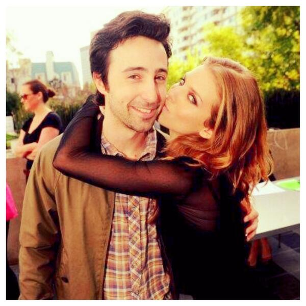 """#tbt just for you!! Max and Naomi... Miss them? """"You know what Max?! I am a lot of things... but I am not a quitter!"""" http://t.co/d1rFDStawP"""