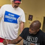 Each wearing American city shirts RT @caplannfl Heres @ochocinco signing his contract: https://t.co/MwR7z0SyVz