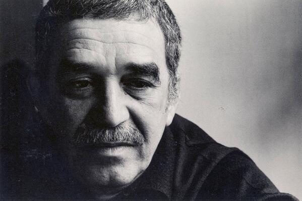 """""""Ninguna persona merece tus lágrimas, y quien se las merezca no te hará llorar"""" - Gabriel García Márquez http://t.co/phO55Scqb9"""