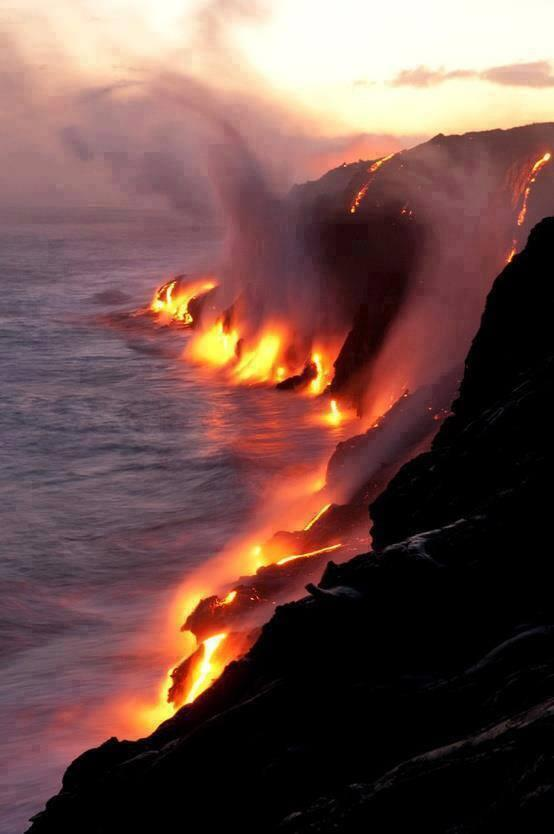 Active lava flows touching the ocean in Hawaii. http://t.co/UNDVHsbfsB