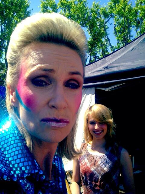 #Tbt I took this wonderful snap of a very Bowie @janemarielynch complete with a @DiannaAgron photobomb. Epic. http://t.co/xK2kOISA6a