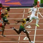 Funny picture of Bale in the running track http://t.co/gzhdt1waGt