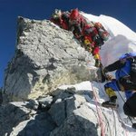 Everest death toll now 13, new reports say. 100 Sherpas & climbers trapped above avalanche. http://t.co/wCtuztcWbx http://t.co/VfPVf3SHaD