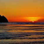 RT @Richie_Hammond: Good Morning its a beautiful Good Friday in #Swansea Hope you have a lovely Easter. A Gorgeous Pobbles sunrise #Gower http://t.co/y4yhB3NY8o