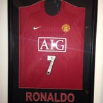 COMPETITION IF MATA SCORES AGAINST EVERTON ON SUNDAY WE WILL GIVE AWAY THIS SIGNED RONALDO SHIRT MUST RT & FOLLOW!! http://t.co/H2XdU0M9Qe