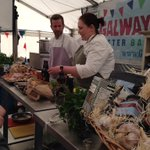 """@jcdal: @KaigalwayMurphy @VincentCorrigan @kaigalway clambake with @HookerBrewery @Galwayfood http://t.co/0n3cNlTD2u""fab beachstyle cooking"