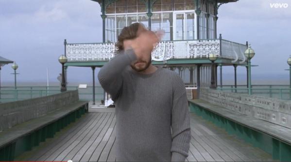 Liam or Harry?   …… Or even Harry with a beard?  HAHAHAHAHAHA http://t.co/svXFaff53Q