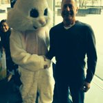 RT @DaveEanet: You can always trust an Easter Bunny with a firm handshake. @CochranShow @WGNRadio http://t.co/IzCbpxJuV9
