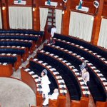 A deserted house at Sindh Assembly, session continues with only five members. http://t.co/e5JJ1yIUio