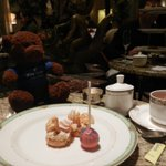 Sweet #surprises @DrakeChicago afernoon tea! Heres my #Chicago tea-time roundup—http://t.co/XO0dfabILo #Frifotos http://t.co/PQ9tLR612z