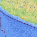 RT @KTLA: #BREAKING: A 7.5 magnitude quake reported in southern Mexico http://t.co/Nzd0JdlyRi http://t.co/xyd2fwBuSA