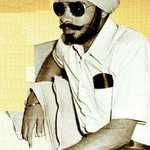 1975 :: Narendra Modi posing as a Sikh during Emergency in Congress rule http://t.co/KlC5dYywzZ