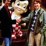 John Waters and David Lynch meet outside of Bob's Big Boy restaurant in Los Angeles. http://t.co/V6Oosgt04m