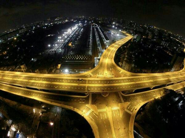 Night View: Check out the latest flyover design of #Mumbai - Santacruz - Chembur Flyover. #SCLR http://t.co/JQ8eQoCpU6