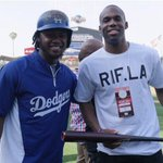 .@Jmeeks20 caught up with @MagicJohnson: http://t.co/Pb3GUqoYpQ & @HanleyRamirez today at @Dodgers Stadium: http://t.co/cy3uwPd9ZE