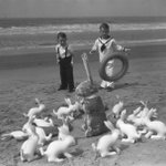 Happy #Easter this wknd! Heres a 1935 pic of kids at Venice Beach, courtesy of @LAPublicLibrary. cc: @VeniceBranch http://t.co/yuVZDBgneu