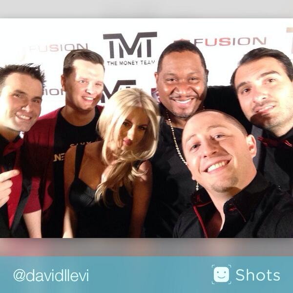 Red & Black Appreciation Party for @floydmayweather! With @john @Angel__Chloe @rome @… http://t.co/AQuDaDlDJX #selfie http://t.co/L8OFj76ocr