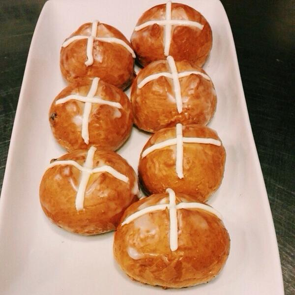 Tomorrow @ladawn will be up early making fresh hot cross buns. Pick some up tomorrow for your Easter weekend. #pastry http://t.co/M5QLZeMyEM