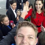 "RT @Sophia_Phan: ""A royal flush"": Kate Middleton photobombs a selfie http://t.co/l6HFwyuVdk http://t.co/SzljKwlROp"