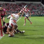 RT @LeagueUnlimited: PHOTO: An amazing Jason Nightingale scoring for the Dragons #NRL #NRLsgiwar http://t.co/anEFbayAhY