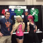 Love that @GeekedOutFit is representin at #AwesomeCon!!! Gotta get some shirts! http://t.co/BmIfNx0jq0