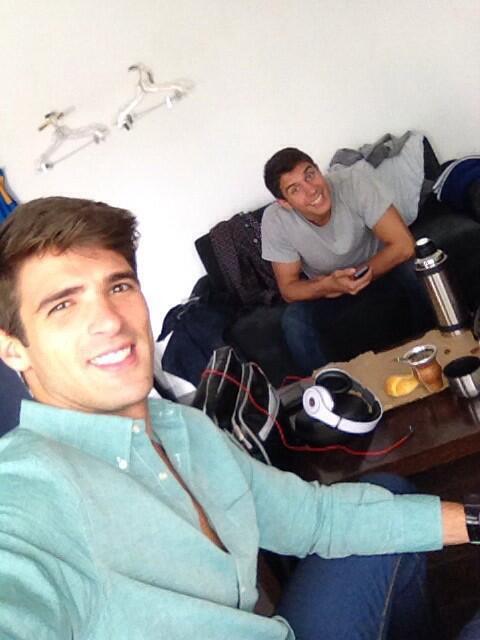 Ramiro Tomasini (@RamiroTomasini): Santo trabajo! #trabajo #hermanos #feriado? @lzacharski http://t.co/Ttg2X4kUHE