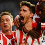 DOWN GOES CHELSEA! Absolute stunner in the Premier League as bottom-of-the-table Sunderland beats Chelsea 2-1. http://t.co/7jt8EdPnA4
