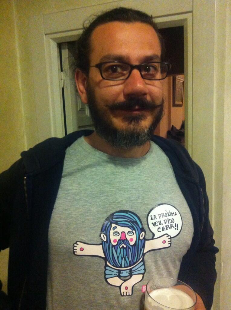 Menuda camiseta by #pablogaga este tío es un crak  y es de #leonesp #laproximavezpidocara http://t.co/bYWQSTslNZ