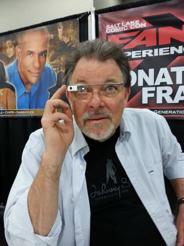I let @jonathansfrakes wear my #googleglass at #SLComicCon #FanX. Season 5, Episode 6 - that is all. #TheGame http://t.co/t04Sm7ufHn