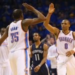 THUNDER UP! Thunder close out the Grizzlies, 100-85. Kevin Durant goes off for 33 Pts, 8 Reb, 7 Ast in series opener. http://t.co/skr9nRb40Q