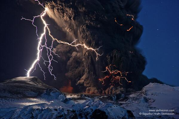 (wow!!) Astronomy Picture of the Day #NASA Ash and Lightning above an Icelandic Volcano  http://t.co/RViuzrl3Ch http://t.co/ZvGDrKoQCQ