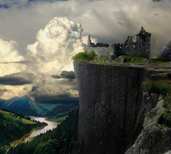 Kilchurn Castle, Scotland http://t.co/AA7j8iDxKM