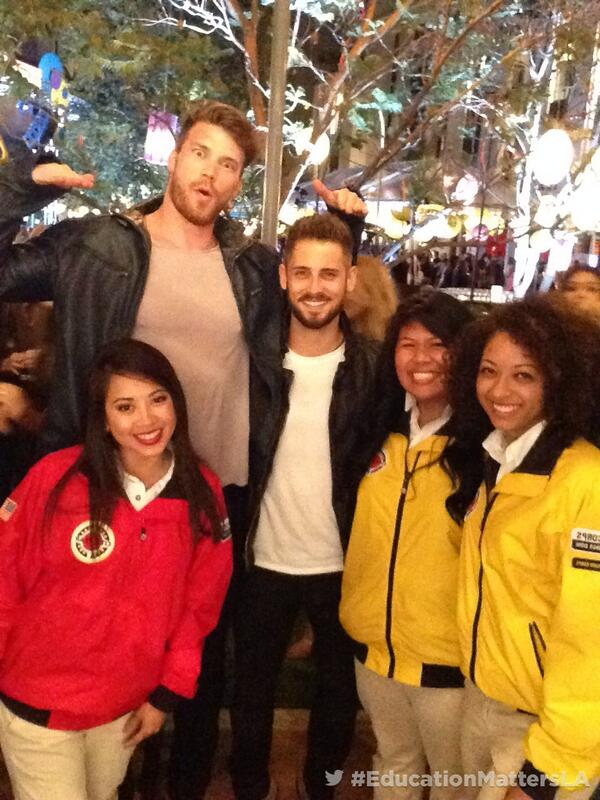 Hanging out at #CityYearLA Spring Break #EducationMattersLA with @jlblives @derektheler http://t.co/lzffPlSSq0