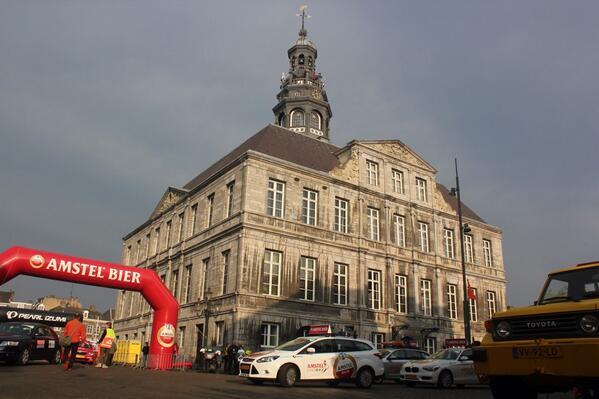 Goedemorgen Maastricht! Vrienden, zijn jullie klaar voor de 49e Amstel Gold Race? #AGR2014 http://t.co/TbDEKnp2Ri