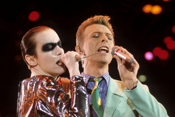 On this day : 20th April 1992 - Annie Lennox and David Bowie perform at the Freddie ... - http://t.co/Azlh702c8K http://t.co/9Wi2jH2m3B