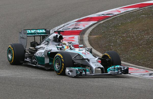 Lewis Hamilton cruises to #ChineseGP victory - his third straight win & third win in China  http://t.co/HKZzkUhVPL http://t.co/mFI5ZjF4wB
