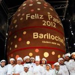 That's no yolk! World's largest chocolate Easter egg weighing 4 TONS and over 27ft high in Argentina! #Toronto http://t.co/77AhLLCx01