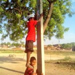 "RT @dilipkpandey: Kids of Darekhu Village, Rohaniya, so excited abt #AAP :) RT.@gaur6083: http://t.co/QKnPY3aLbU"" #AKinAmethi"