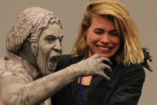 @billiepiper attacked by Weeping Angel and #awesomecon http://t.co/YGm1m3zEqa