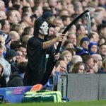 "RT @Football__Tweet: An Everton fan dressed as ""The Grim Reaper"" is waving his scythe behind David Moyes. #EFC #MUFC http://t.co/0dSrFVD7HU"