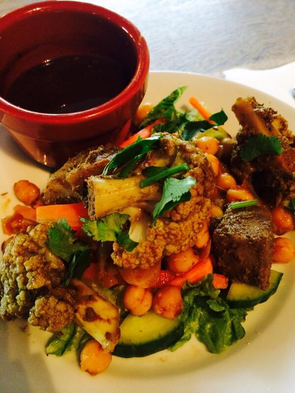 Roasted cauliflower & potatoes @dhabalane @thecastleE17 http://t.co/gVOJfP89V3