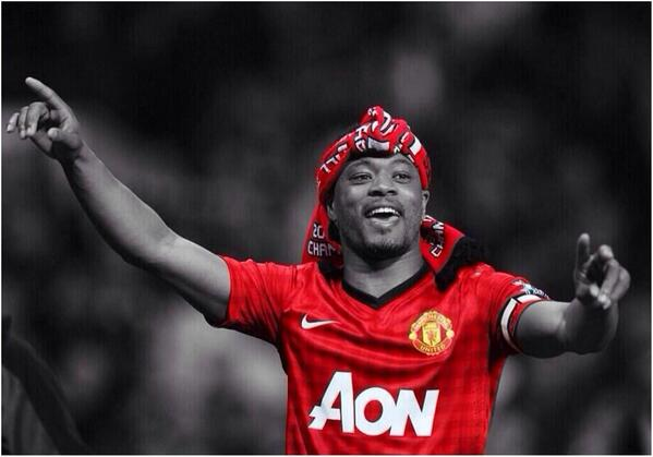 BlsTPKVIgAMdXNj Manchester United have offered Patrice Evra a new 3 year contract in past few days