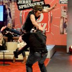 RT @zouniamrry: #rememberwhenourfandom almost had a heart attack when we were watching 1D day bc Harry had a near death experience http://t.co/394hOVDY3P